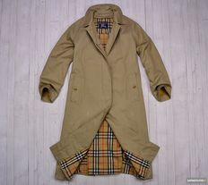 Burberrys London - Trench Coat