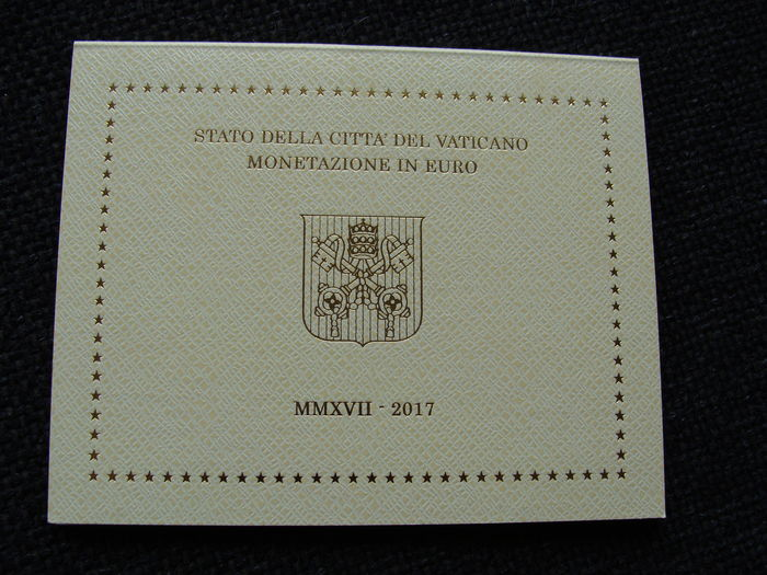 "Vatican - year pack/ year collection 2017, ""Papal coat of arms""."