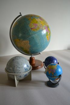 4 different globes, globe school model, model of the moon, model of the galaxy, model of the earth small
