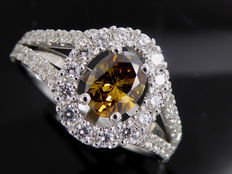 Diamond ring with a total of 1.05 ct