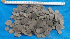Roman Empire - 303x uncleaned Roman coins