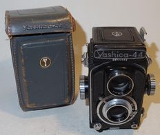 Yashica 44 - 6 x 6 TLR - late 1950s