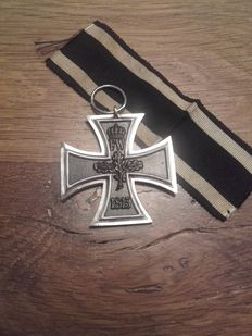"Original WW1 German iron cross 2nd class medal maker ""SW"""