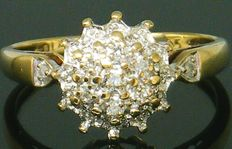 Gold Diamond Cluster Ring ca. 1964 - with ca 32 Diamond's Round cut,- 0,50 CT SI2M ** No Reserve Price **