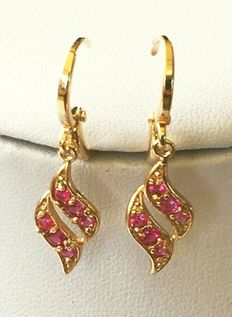 Yellow gold earrings with Australian crystal