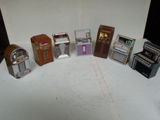 7 x Mini jukeboxes - collectors items. Including Wurlitzer - Seeburg etc.
