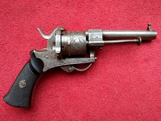 Rare beautiful graceful etched and engraved pin fire Lefaucheux revolver calibre 7 mm - ca. 1850