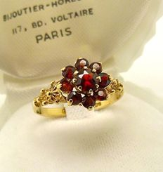 "Natural Catalan Garnet solid gold "" Posie"" ring designed by C.L.& S.  - NO RESERVE"