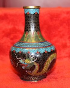 Cloisonné enamel vase with emperor dragons - China - early 20th century (Republic period)
