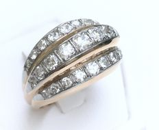 Impressive domed art deco ring in 18 kt pink gold and platinum, set with 27 sublime diamonds Wesselton/VVS