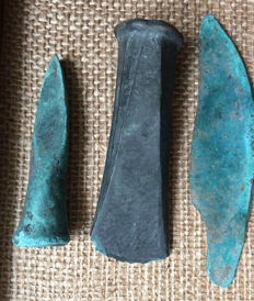 Collection of bronze spear - 80 mm, socketed axe head - 90 mm, knife - 120 mm (3)
