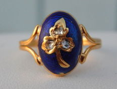 Very old blue enamel ring in 18 kt yellow gold with 3 diamonds