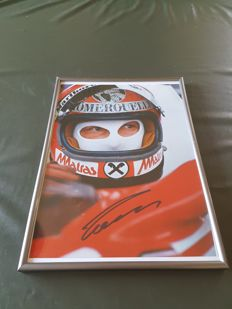 Niki Lauda 3 x world champion - Ferrari portrait 1977 - original signed photo 20x30cm