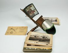 Stereoscope Viewer with 37 stereoscope cards