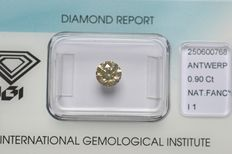0.90 ct. Brilliant cut diamond, natural fancy light grey-yellow - G/G/G/ I1 - NO RESERVE PRICE.