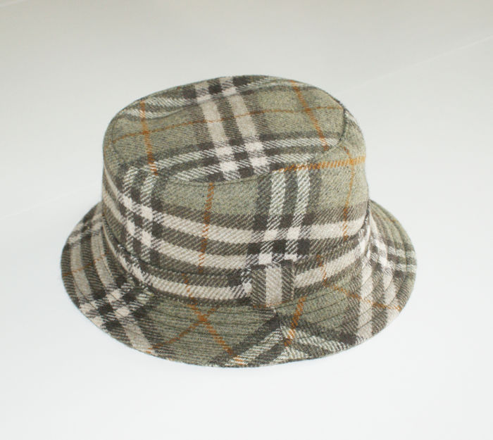Burberrys - bucket hat