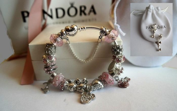 5f2fbd9e3 Pandora heart bracelet with 21 charms themed 'Happy birthday, Mickey and  Minnie Mouse'
