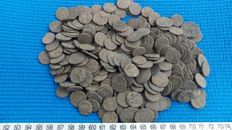 Roman Empire - 300x uncleaned Roman coins of beautiful quality