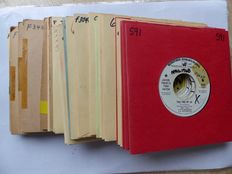 Various Promo & Demo Singles from the 1960s Including 30 singles