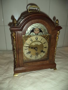 Walnut wooden table clock with sun/moon phase Fam Smith London - 1st half 20th century