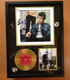 "Bob Dylan Gold Plated CD Display ""Highway 61 Revisited"" Including Signature & 3 Bob Dylan Plectrums"