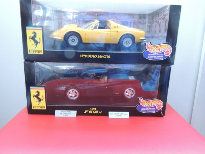 Hotwheels - Scale 1/18 - Ferrari F512M Testarossa 1994 & Ferrari 246 GT Dino GTS 1971 with RVS name tags