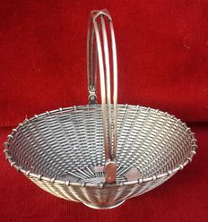 Oval basket with movable handle, twisted filigree in 800 silver  for candy -ca 1920, Italy,