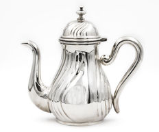 Sterling silver teapot. 1st half of the 20th century.