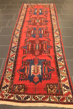 Old Persian rug Malayer, 107 x 295 cm made in Iran around 1950 natural colours