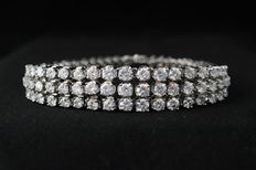 Royal white gold tennis bracelet with three rows of diamonds, 10.00 carat in total