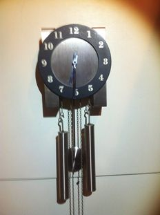 Kienzle wall clock from tin - 1970s/Junghans pendulum from the 1930s/1980s a Hermle quartz clock