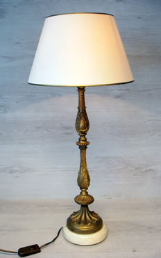 Heavy bronze table lamp with marble foot