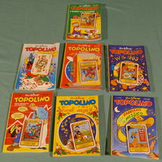 Walt Disney - lot 10 x Topolino with gadgets + safe-book + 54 cards + N. 1 Uncle Scrooge + Comics in box