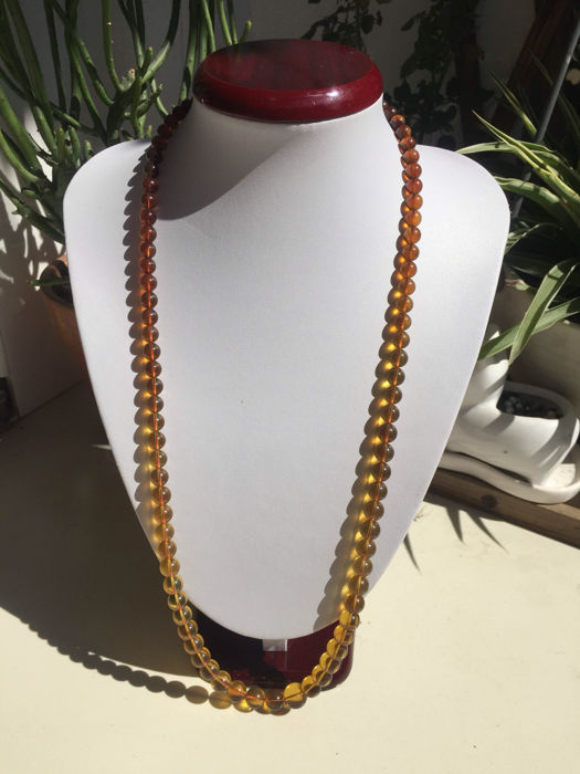 Myanmar amber gradient necklace weight 28.4 grams - 75 cm