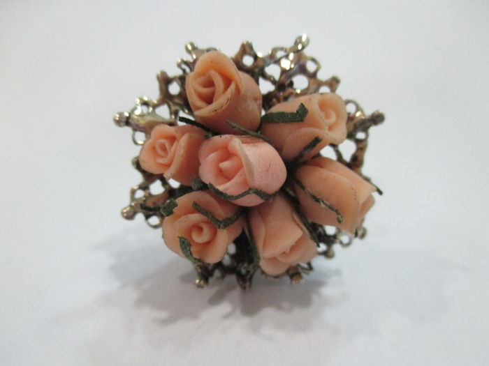 Boquet of roses in silver, miniature