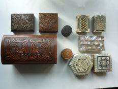 Lot of 1 humidor + 9 miscellaneous jewellery- /cigar/ette boxes.