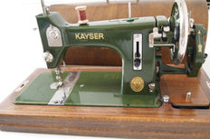 Antique Kayser Model L sewing machine - wooden cover with original key, Germany, approx.1910