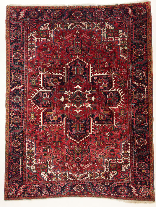 Persian carpet, Heriz, 328 x 252 cm