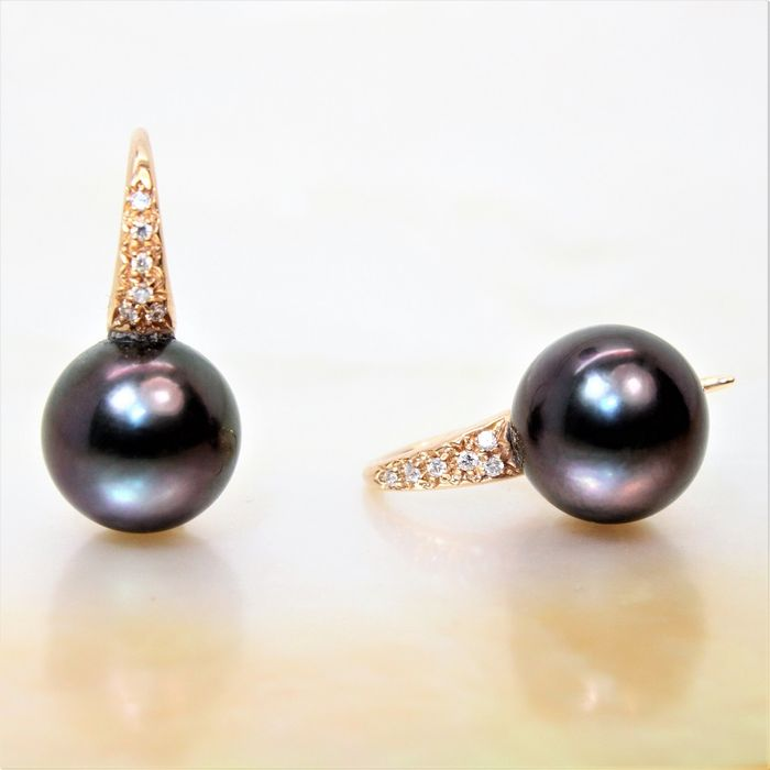 750 GOLD earrings with cultured Tahiti round pearls in aubergine colour diameter 10-11 mm and diamonds of 0.07 ct
