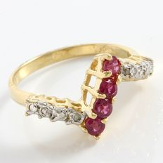 14kt Yellow Gold Ring  Set with 0.01 ct Diamonds and Ruby -  Size: 6 - L-1/2 ***no reserve***