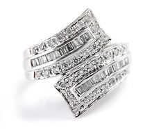 White gold ring with diamonds - in total 1.00 ct **no reserve price**