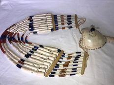 Necklace with Ornated Neckornament of Trumpet Shell and 9 Rows of Beads - Naga (Angami) - Nagaland (Noord-Oost India)
