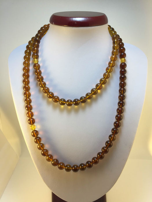 Burma Amber necklace, weight 49.2 grams