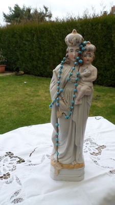 Porcelain-Eiffel Madonna-with Rosary-beads-porcelain-Germany Ca 1880