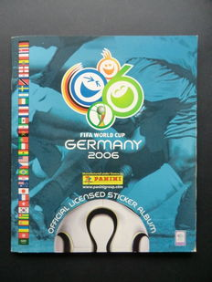 Panini - FIFA World Cup Germany 2006 - Complete album - Beautiful condition - Including the 6 rare stickers that were issued later (!).