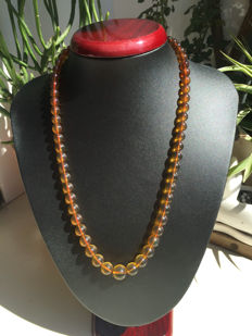 Myanmar amber gradient necklace weight 21.6 g.No reserve price