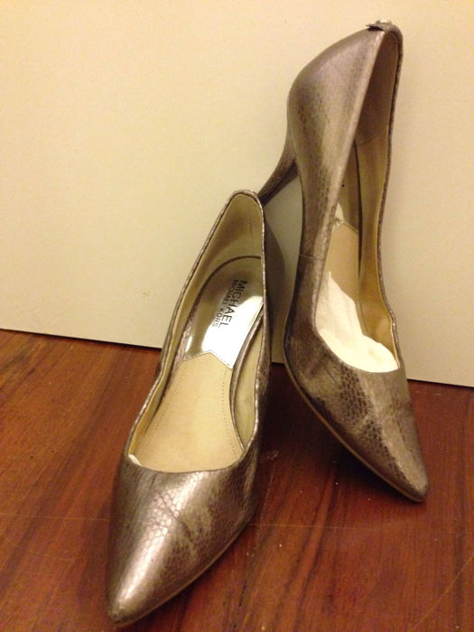 1a48be5202c8 Michael Kors – court shoes – platinum-effect snake-skin - Catawiki
