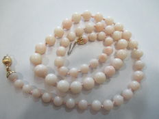 Pink coral necklace – 18 kt gold clasp – length 47 cm