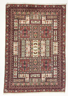 Tunesian rug – 290 x 198 cm – no reserve price: bidding starts at €1
