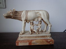 Sculpture Roman mythology Romulus and Remus with she-wolf on a marble base